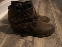 2 pair of Women's size 8.5 boots Inwood, 25428