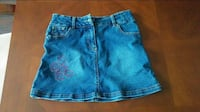Girls' La Senza Girl denim skirt - size M Oshawa, L1K 1W6