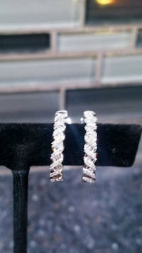 Beautiful diamond and white gold earrings  Chicago, 60638