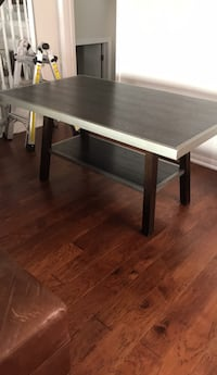 Structure Dining Table 525 km
