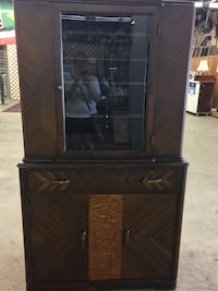 Antique China Cabinet $250 St Catharines, L2M 4C4