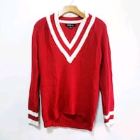 Cozy V-Neck Sweater Size M Queens, 11373
