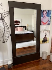 Large leaning floor mirror - must pick up by Sept 26! Detroit, 48226