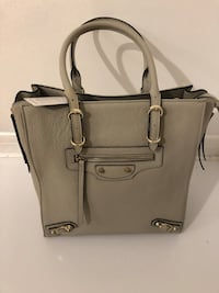 NEW INZI Genuine Leather Balenciaga Inspired Light Grey Tote - Retail: $225 Toronto, M2J 1Z1