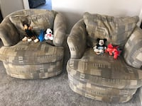 Lazy boy swivel chairs. In good condition with the stain free fabric. Both for 110