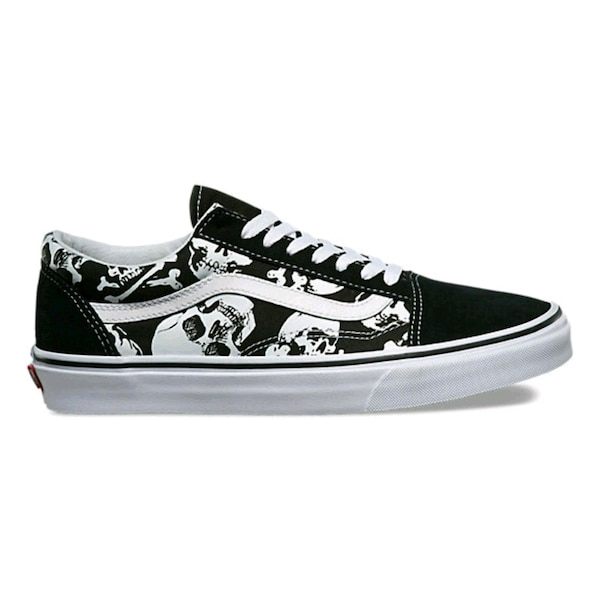 aa055541f3f2d6 Begagnad unpaired black and white floral low-top sneaker till salu i ...