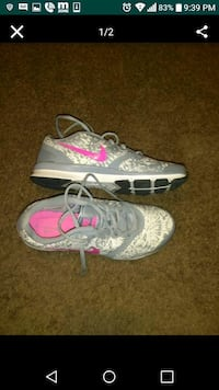 pair of gray-and-pink running shoes Hyattsville, 20785