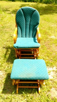 Rocker and chair. Norland, K0M 2L1