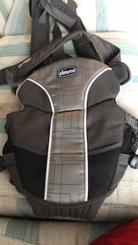 black and gray Chicco carrier Calgary, T3K 4N5