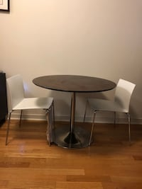 Dining table with 4 chairs Jersey City, 07302