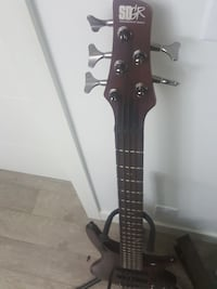 5 string Ibanez bass