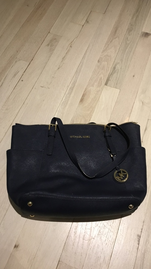 d94fa0886b5ebb Used Blue Michael Kors leather tote bag for sale in Yonkers - letgo