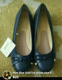 pair of black leather flat shoes Bronx, 10454