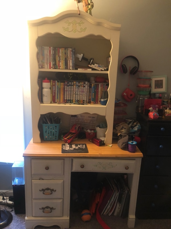 Girls Bookshelfdesknightstand Combo Good Condition Can Be Sold Separately