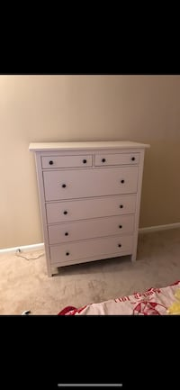 White IKEA Hemnes 6 drawer chest with glass top Alexandria, 22304