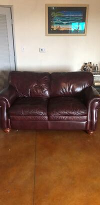Mathis Brothers Leather Couch Anaheim, 92805