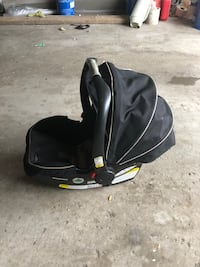black and gray car seat carrier 541 km