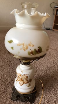 Exquisitely beautiful Antique Floral Lamp White and multicolored floral table lamp Norfolk, 23523