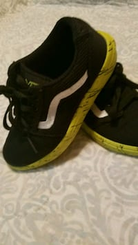 pair black-and-yellow Vans sneakers 11 youth Bonita Springs, 34135