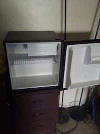 blakc single door compact refrigerator Bakersfield, 93305