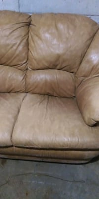 brown leather 2-seat sofa Carrollton, 30116