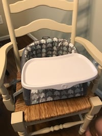 Portable high chair. In excellent condition!  Stokesdale, 27357