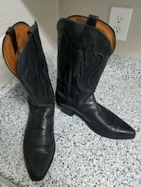 Lucchese Cowboy Boots - Snip Toe (Black,size 10, used)