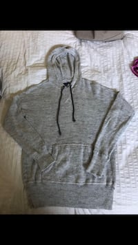 American Eagle knitted hoodie  Central Saanich, V8Z 5R8