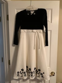 Young Girls Black/White dress- size 12 Rock Hill, 29732