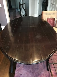 Oval wooden dining table - Excellent Value Highland Park, 60035