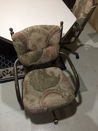 Table set of 4 chairs Edmonton, T5E