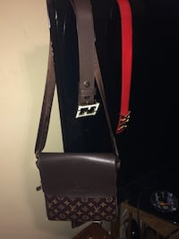 black and white leather crossbody bag Bedford