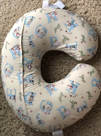 Boppy feeding and support infant pillow Palmdale, 93551