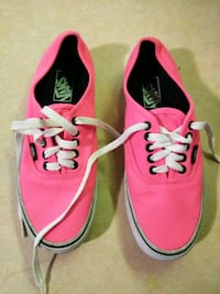 Vans Size 8m and 9.5w Columbia, 29203