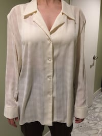 White button-up blouse Toronto, M2M 4G8