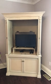 TV STAND AND DRESSER FOR THE ROOM