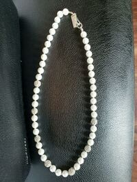 Joe Fresh Faux Pearl and Crystal Necklace Brampton, L6X 0T8