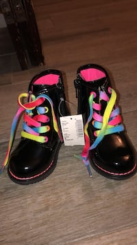 Toddler  Boots 4 - Brand New 222 km