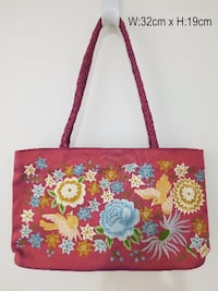 Fine hand beaded / embroidered / sequinned / brocaded silk, taffeta, canvas, organza and velvet purses / handbags / totes made in Vietnam