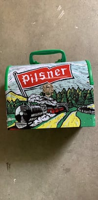 Pilsner metal lunch box wow check it out Kelowna, V1X 7C3