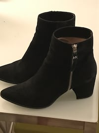 Michael kors bootie suede size 9.5 Vancouver, V6G 3H7