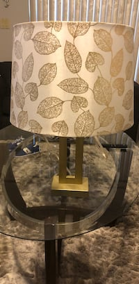 White and gold leaf detail lamp. Home decor Pembroke Pines, 33026