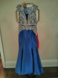 women's blue and white sleeveless dress Whitby, L1R 3R7