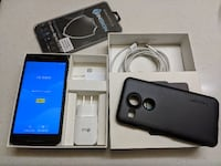 Unlocked Nexus 5x 32GB and Accessories + with box