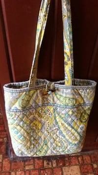 white and blue floral tote bag Fayetteville, 37334