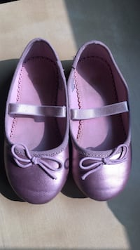 pair of pink leather mary jane shoes Oakville, L6M 2A1