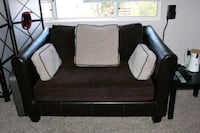 2 person couch w/pillows (5) Las Vegas, 89113
