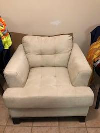 Sofa Chair Toronto, M6L 1K1