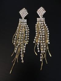 Gold and silver earrings Cambridge, N1R 5S2