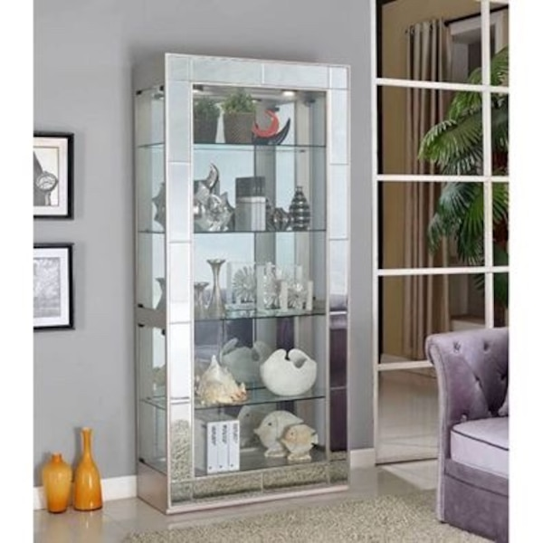 Glass Display Cabinet d47be626-fd49-4421-9101-7f13149ef743